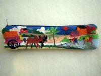 刺繍いっぱいの可愛いペンケース 小物入れにも 【カラー・マルチ】【カラー・ブルー】