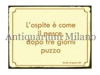 イタリア語パネル 客と魚は三日もすれば… L'ospite e' come il pesce... 【カラー・イエロー】