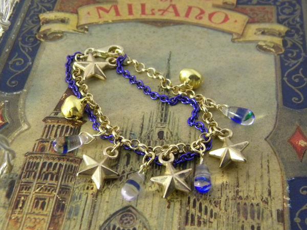 画像1: ブルーのチェーンとゴールドの星で輝く夜空のイメージ ブレスレット 【カラー・ブルー】