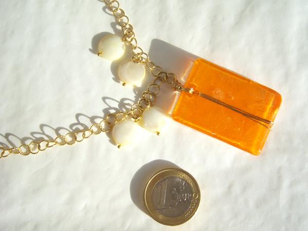 画像2: 胸元に明るいオレンジで好感度アップ ペンダント 【カラー・オレンジ】【カラー・ホワイト】