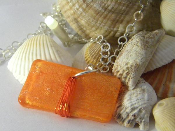 画像1: キャラメルみたいな可愛いオレンジで好印象 ペンダント 【カラー・オレンジ】