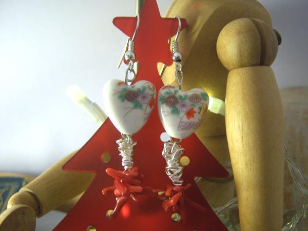画像1: アジアン・ビューティー ハートと珊瑚がとっても可愛い ピアス 【カラー・ホワイト】【カラー・レッド】