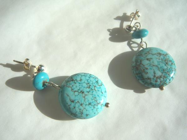 画像2: 大粒トルコ石の爽やかブルーを耳元に ピアス 【カラー・ブルー】