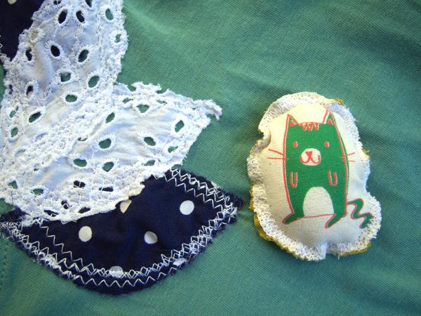 画像2: ミラノ発☆ヴィンテージ・コットンのブローチ ミドリの猫  【カラー・グリーン】【カラー・ホワイト】