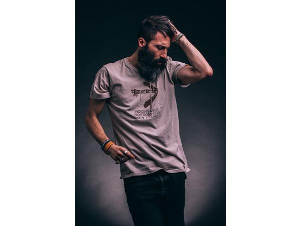 画像1: TRAVEL Shirt  Il CentimetroのメンズTシャツ Backpack