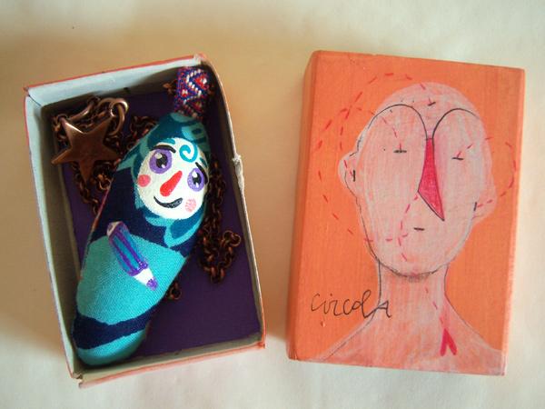 画像2: 鉛筆を持って考え事 【カラー・ブルー】【カラー・グリーン】