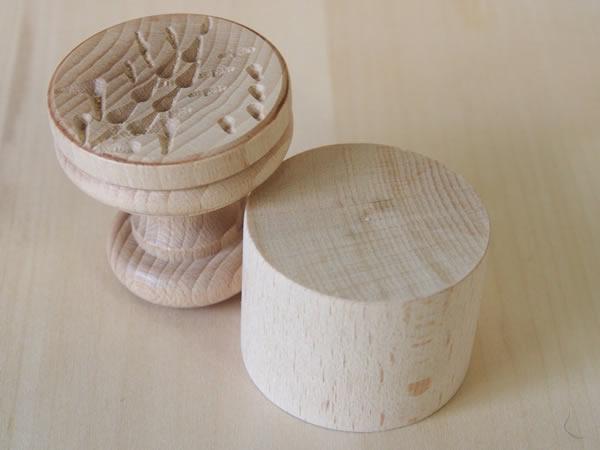 画像1: 手打ちパスタ用 コルツェッティ用型 大麦柄 径 5.3 cm