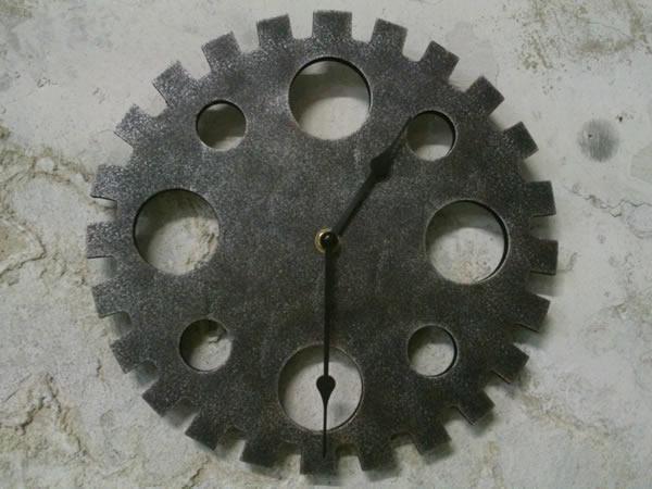画像1: 歯車モチーフの掛け時計【カラー・ホワイト】【カラー・グリーン】