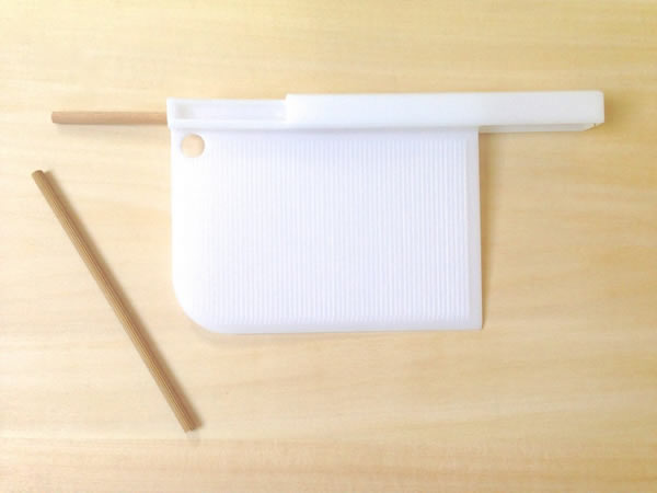画像1: 手打ちパスタ用 1つ4役 スパトラ - ガルガネッリ・ニョッキメーカー