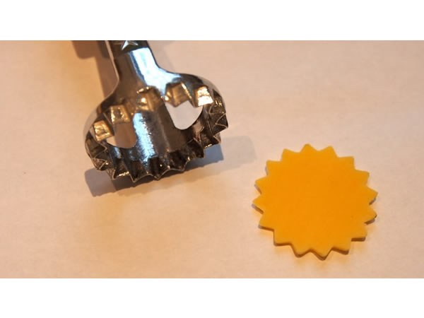 画像1: 5サイズ展開 手打ちパスタ用 ラビオリ用型 丸型 スタンプタイプ 径 25 - 32 - 42 - 56 - 80 mm