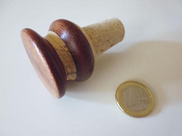 画像1: イタリア 手作り一点もの 木製ワインキャップ 【カラー・ブラウン】