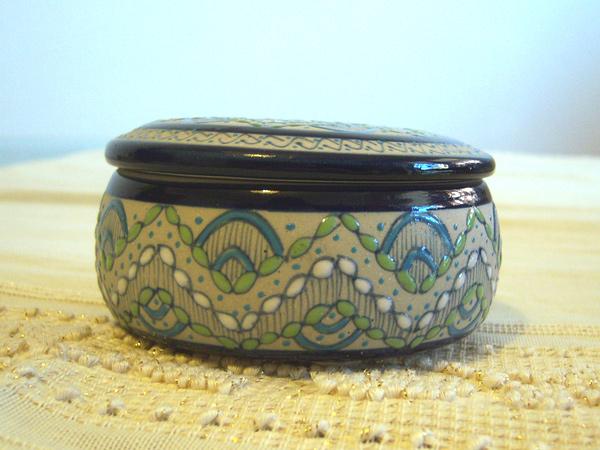 画像3: 一つ一つが手塗りの陶製小物入れ 【カラー・ブルー】【カラー・グリーン】【カラー・ホワイト】