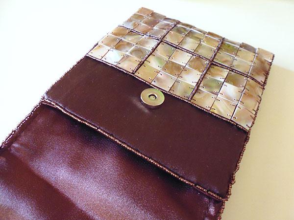 画像3: 上品な輝きマザーオブパールの刺繍バッグ 【カラー・ブラウン】