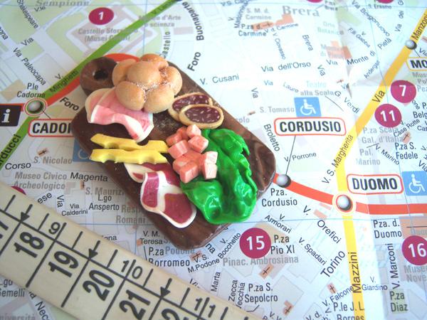 画像2: フィモで出来たイタリア・サラミやハム、チーズの盛り合わせ マグネット 【カラー・マルチ】