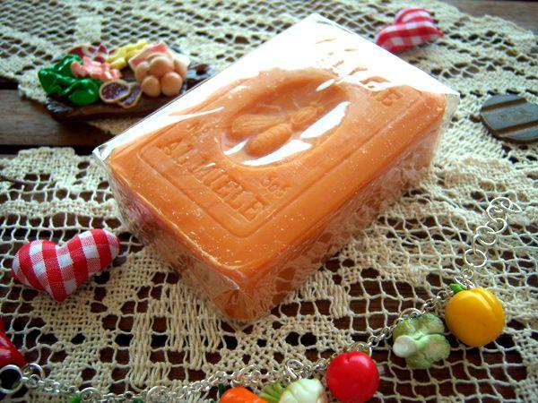 画像1: イタリアのハニーソープ  蜂蜜石鹸 【カラー・オレンジ】