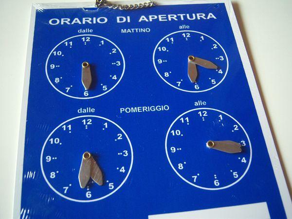 画像2: イタリア語表記営業時間表 ORARIO DI APERTURA 時計・チェーン付き 【カラー・ブルー】【カラー・ホワイト】