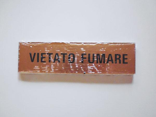 イタリア語表記シール貼付けタイプ  禁煙 VIETATO FUMARE【カラー・イエロー】【カラー・ブラック】