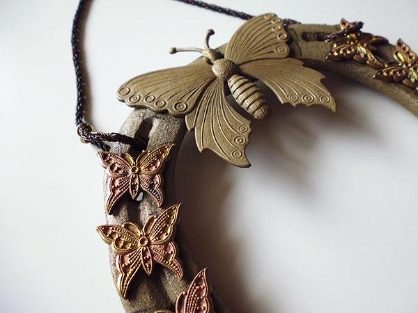 画像3: 1点もの☆イタリア製 幸運を招く馬の蹄鉄 蝶の装飾付き インテリアに 【カラー・ブラウン】