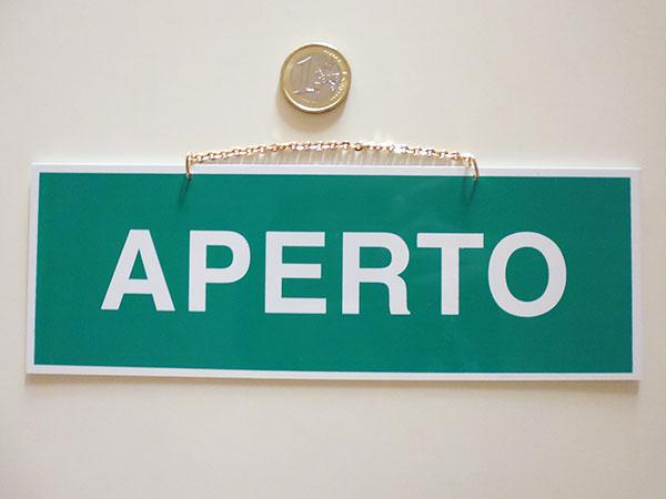イタリア語表記営業・休業表記札 APERTO/CHIUSO チェーン・吸盤付き
