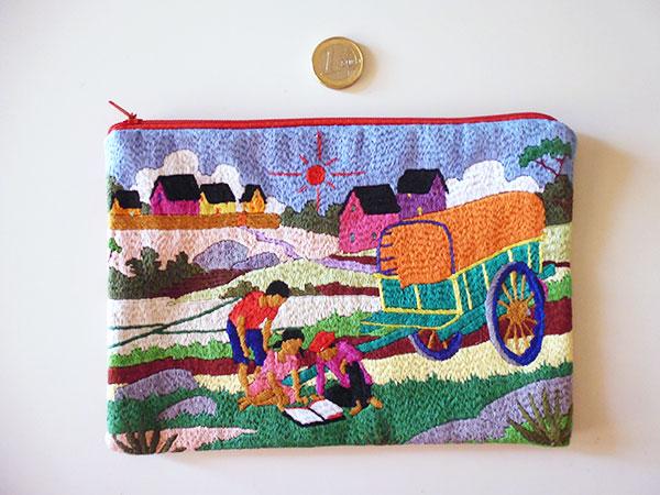 画像2: 刺繍いっぱいの可愛いポーチ 【カラー・マルチ】