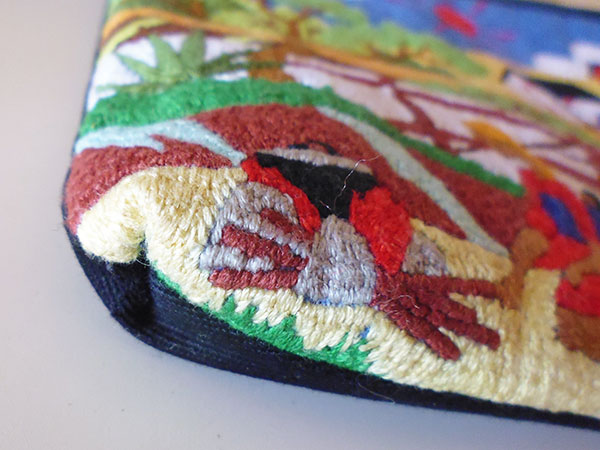画像4: 刺繍いっぱいの可愛いマチ・内ポケット付きポーチ 【カラー・マルチ】